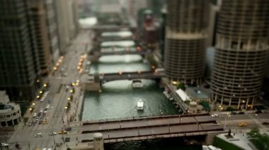 Downtown Chicago River - Tilt Shift — Stock Video