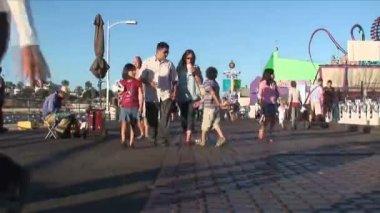 圣莫尼卡码头行人 — 图库视频影像
