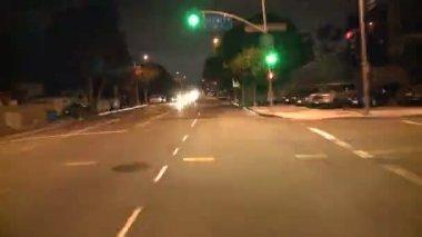 Büyük şehir gece sürüş — Stok video