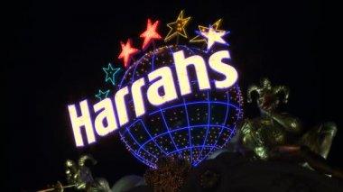 Harrahs Neon Sign in Las Vegas — Stock Video
