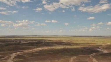 Natures plus beaux - timelapse de nuages au-dessus de terrains — Vidéo