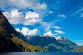 Lake Manapouri — Stock Photo