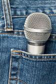 Mikrofon in einer tasche — Stockfoto
