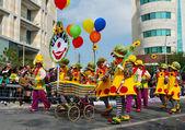 Clown del carnevale di strada — Foto Stock