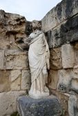Sculptuur in oude bad in salamis — Stockfoto