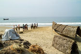 Fishermen pulling a fishing net from the Arabian Sea — Stock Photo