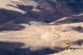 Tso Moriri mountain lake with fantastic mountains background and — Stock Photo