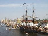 Parade of Ships. — Stock Photo