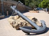 A big anchor near the port of Mahon — Stock Photo