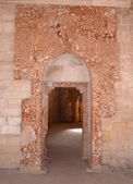 Castel del Monte. The remains of the marble paneling around the door. — Stock Photo