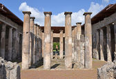 Ruins of ancient Roman city of Pompeii — Stock Photo