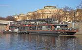 PRAGUE - FEB 23: Restaurant on the river ship — 图库照片