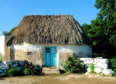 Rural home of the mayan descendants — Stock Photo