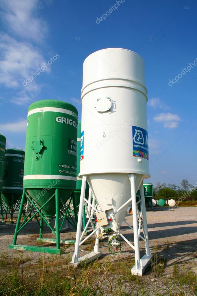 Silos in the street used as container — Stock Photo #14476045