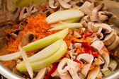 Raw vegetables, onions, carrots, bell peppers, mushrooms, — Foto Stock