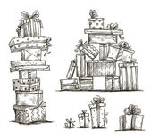 Piles of presents. Doodle heaps of gift boxes. Vector illustration. — Vector de stock