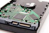 Disco duro de la computadora con placa de circuito — Foto de Stock