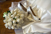 Flowers and shoes — Stock Photo
