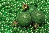 Trzy bombki zielone — Zdjęcie stockowe