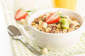 Healthy breakfast with muesli — Stock Photo