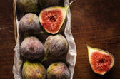 Figs in the box on table — Stock Photo