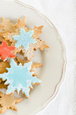 Snowflake decorated christmas cookies — Photo