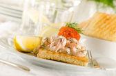 Apéritif crevettes et caviar — Photo