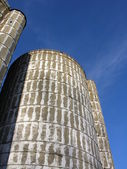 Sztuka silosy na starej stodole — Zdjęcie stockowe
