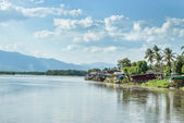 Communities living along the Ping River in Tak district. — Stock Photo