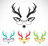 Vector images of deer wearing glasses  — Stock Vector
