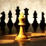 Schach-Spiel über Holz chart.queen in die Enge getrieben — Stockfoto