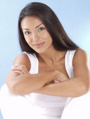 Portrait of a beautiful young and fresh latin woman. — Stock Photo