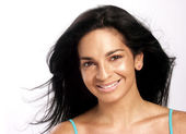 Beautiful young latin woman and smiling. — Stock Photo