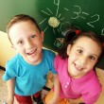 Gelukkig schoolkinderen — Stockfoto