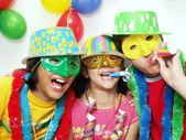 Drie grappige carnaval kinderen portret — Stockfoto
