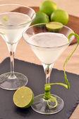 Martini citroen cocktail drinken — Stockfoto