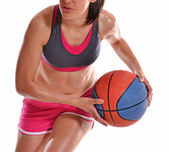 Young woman playing basket ball — Foto Stock