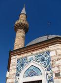 Minaret meczetu camii konak w izmir — Zdjęcie stockowe