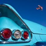 Постер, плакат: Vintage Auto meets Stunt Plane