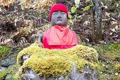 """Jizo statua in kanmangafuchi, nikko, Giappone, questo particolare gruppo di statue di jizo è chiamato """"cuocia jizo""""(ghost jizo). — Foto Stock"""