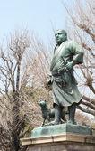 TOKYO, JAPAN - APRIL 1 2014: Saigo Takamori statue at Ueno park in Tokyo, Japan on April 1, 2014. Saigo was born in January 23, 1828 during Edo period. He is known as the last samurai of Japan. — ストック写真
