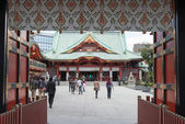 TOKYO, JAPAN - APRIL 4 2014: Visitors at Kanda Myojin Shrine. Kanda Myojin Shrine has held a special presence in Edo-Tokyo for nearly 1,300 years since its founding in 730 AD. — Stock Photo