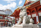 TOKYO, JAPAN - APRIL 4 2014: Guardian dog statue at Kanda Myojin Shrine. Kanda Myojin Shrine has held a special presence in Edo-Tokyo for nearly 1,300 years since its founding in 730 AD. — Stock Photo