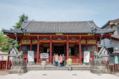 Tokio, japonia - 16 kwietnia 2014: asakusa sanktuarium w senso-ji rozciągacz, tokio, japonii senso-ji buddyjskiej świątyni jest symbolem asakusa i jedną z najsłynniejszych świątyń w całej japonii. — Zdjęcie stockowe