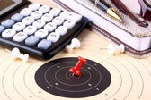 Calculate target and reach with red pin — Stock Photo