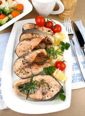Grilled salmon steak with vegetables — Stock Photo
