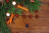 Christmas still life with traditional gingerbread cookies on wood — Stockfoto