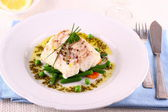 Cod Fillet with green beans, peas, parsley, olive oil — Stock Photo