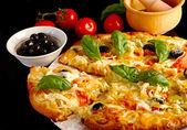 Pizza in black — Foto de Stock