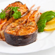 Crispy grilled salmon steak with lemon and basil — Stock Photo #17598059